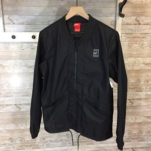 NWOT Nike lightweight windbreaker black